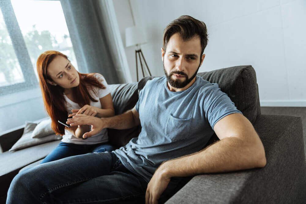 mikroaggressio ärsyttää paria