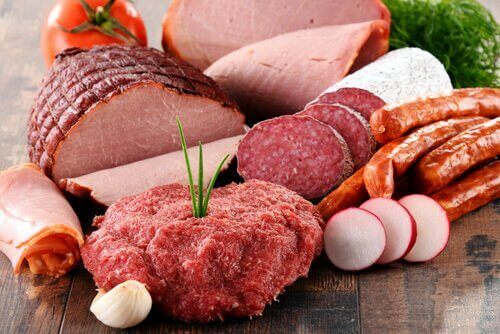 Natriumnitraatti jalostetussa lihassa