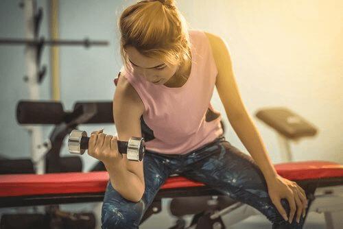 Liikunta on suuri apu vatsan pienentämisessä