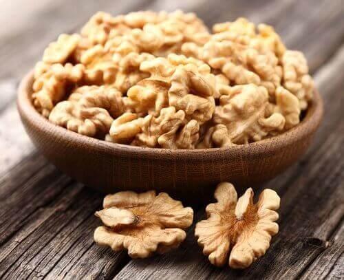 pähkinöissä on hiilihydraatteja