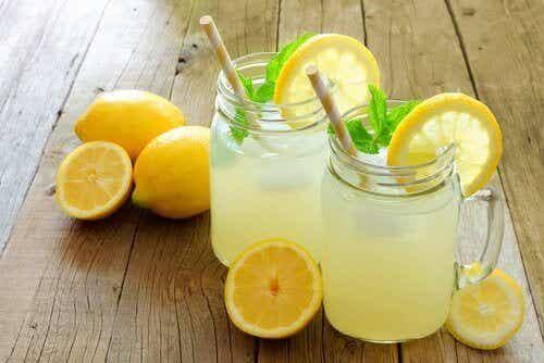 Säännöllisen sitruunasoodan juomisen tuomat hyödyt
