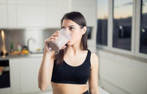 Nesteytyksestä huolehtiminen dieetin aikana
