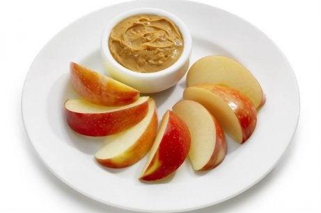 omena ja pähkinävoi