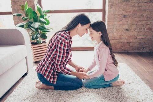 Ainoa lapsi viettää usein paljon aikaa vanhempiensa kanssa