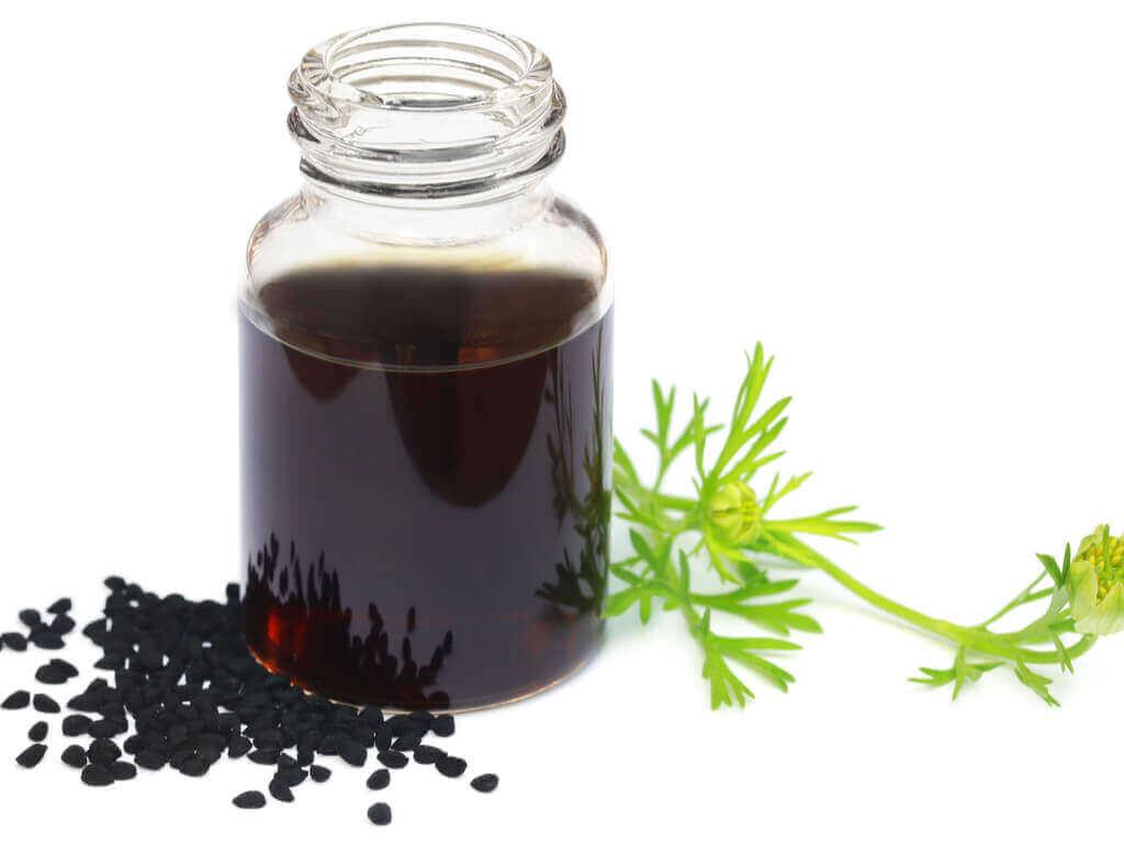 mustakuminaöljy