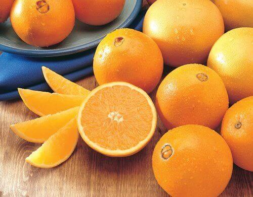 Appelsiineissa on kuitua, joka saa suolen toimimaan