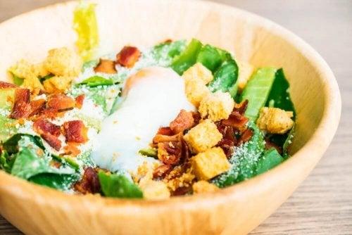 Salaatti ei ole aina synonyymi terveelliselle aterialle