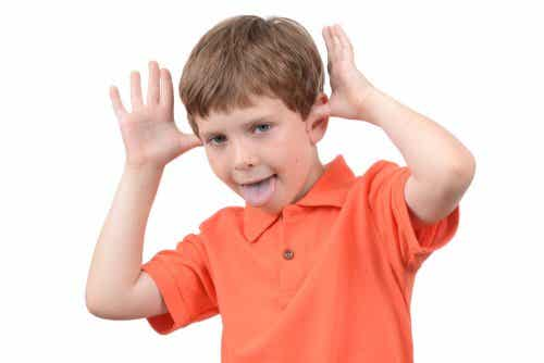 Huonosti käyttäytyvä lapsi: mitä voimme tehdä käytöksen korjaamiseksi?