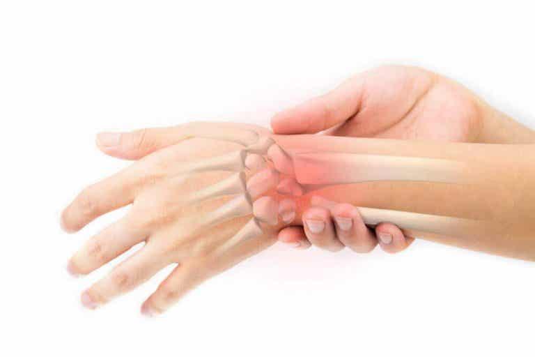 Voikukkajuoma: kotihoito luiden terveydelle