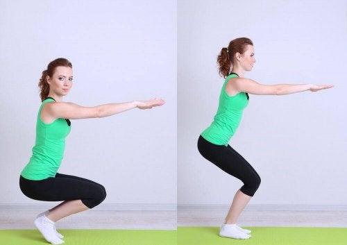 Kyykky vahvistaa sekä pakaroiden lihaksia että luustoa