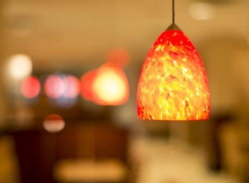 Lamput ovat yksi kodin paikoista, jotka usein unohdamme siivota