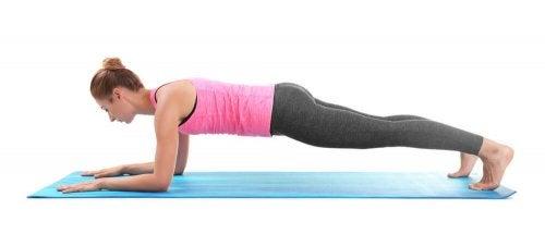Kuinka usein joogaa tulee harrastaa, jos haluaa pudottaa painoa?