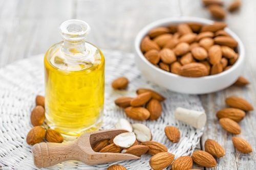 Manteliöljy sisältää runsaasti elimistölle tärkeitä vitamiineja ja mineraaleja