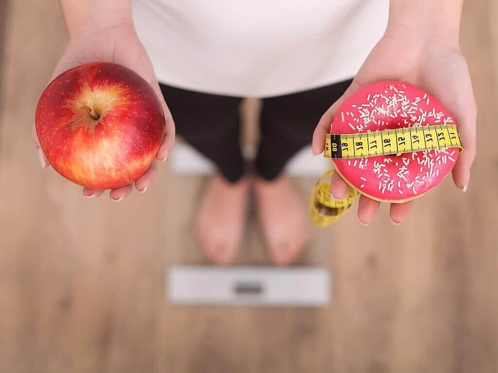 omena vai donitsi, ja kuinka monta ateriaa päivässä