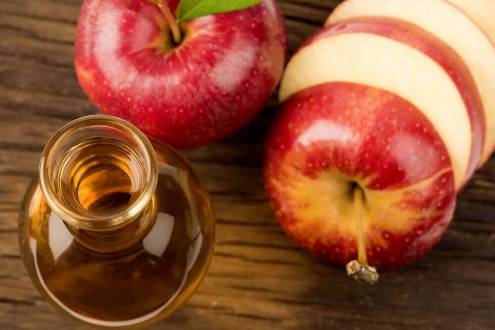 omenaviinietikka huuliherpekseen