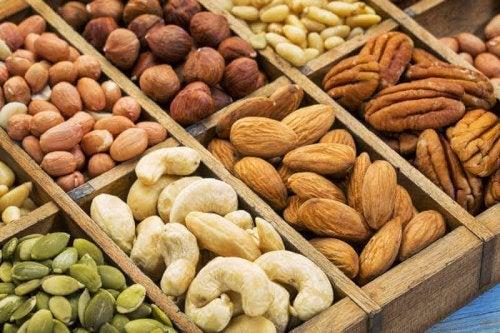 Pähkinöistä ja siemenestä voi valmistaa monipuolisia ja terveellisiä aterioita