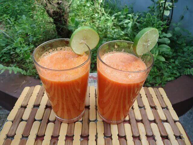 Inkivääri-appelsiini-porkkanasmoothie