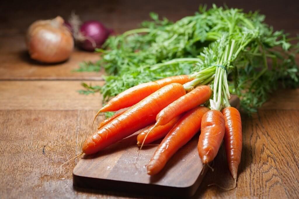 Porkkanoista valmistuu maukas ja helppo salaatti