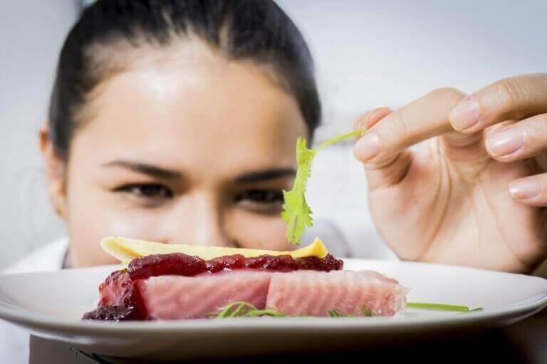 Terveellinen ruokavalio voi auttaa rinnan kystiin