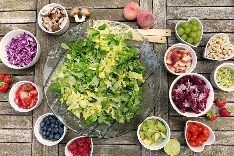 Nopea ja helppo salaatti 6 tavalla