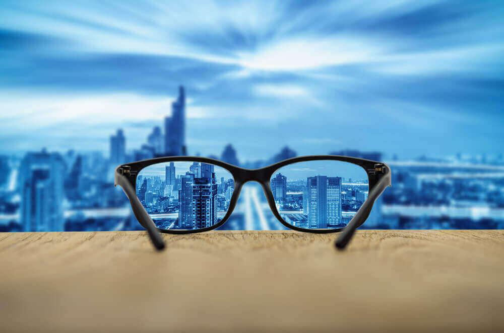 hyvä näkö jos käyttää laseja