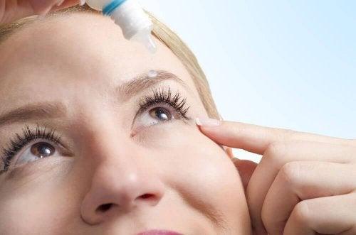 6 tehokasta luontaishoitoa kuiviin silmiin