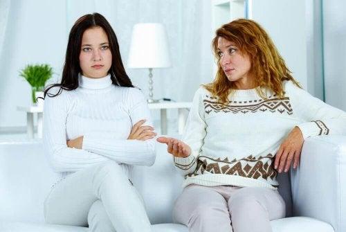 Miten ehkäistä ja käsitellä teini-ikäisen ongelmallista käytöstä?