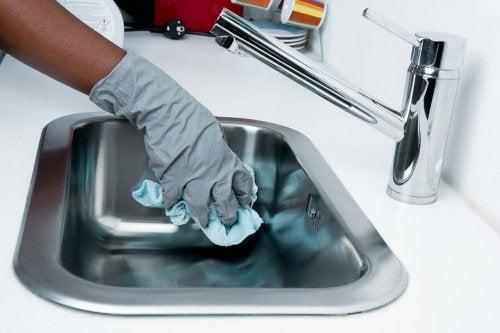 5 yllättävää kodin bakteeripesää