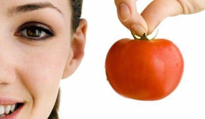 terveellinen tomaatti ja sen lykopeeni