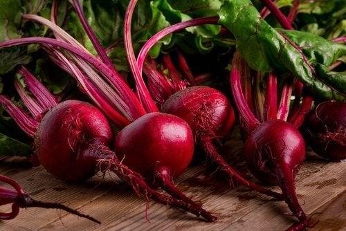 Tuoreet punajuuret sisältävät runsaasti antioksidantteja