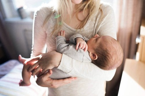 Miten helpottaa vauvan hikkaa?
