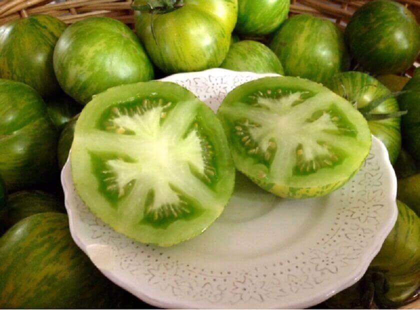 vihreä tomaatti auttaa huuliherpekseen