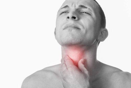 4 luontaishoitoa kurkkutulehdukseen