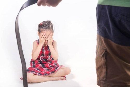Fyysinen kuritus jättää lapseen syvät arvet