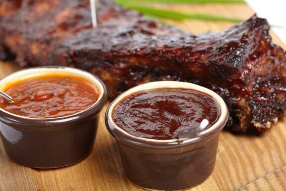 Grillikastike lihalle: 3 reseptiä