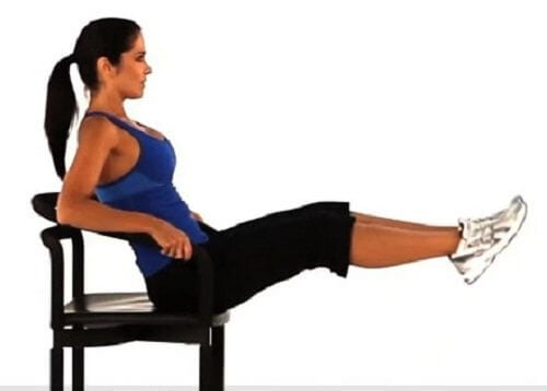 Vahvemmat jalkalihakset saadaan treenattua tehokkaasti jalkojen nostolla istuen
