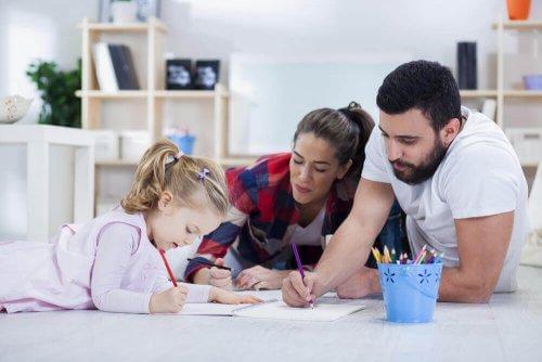 kotiläksyt tehdään perheen kesken