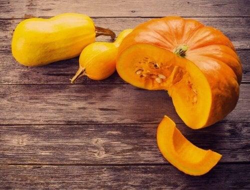 Kurpitsan täyteläisen pehmeä maku sopii sekä suolaisiin että makeisiin ruokiin