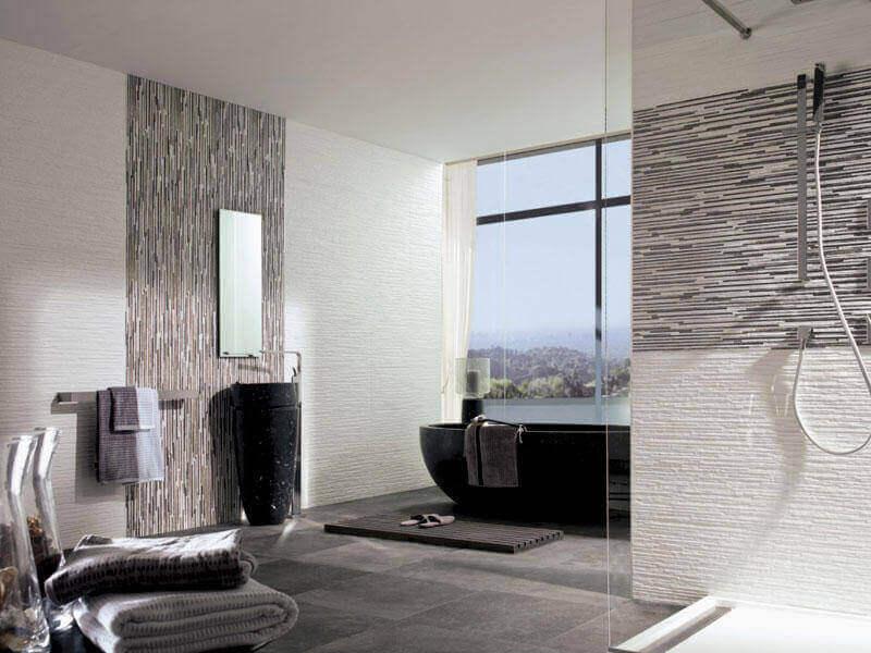 kaunis ja tilava kylpyhuone