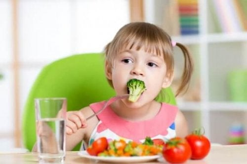 Kuusi reseptiä, joilla lapsen saa syömään kasviksia