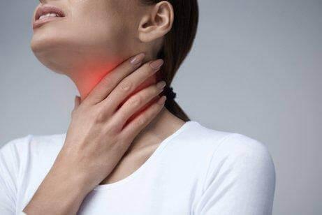 Ärtynyt kurkku voi haitata syömistä