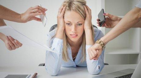 Nainen ei tiedä, kuinka hallita stressiä