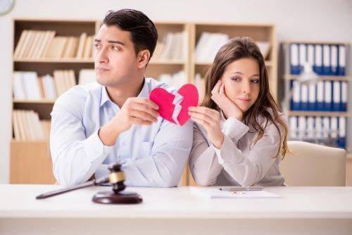 Parisuhteen toinen osapuoli haluaa erota