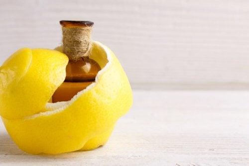Sitruunasta apua nivelkipujen ja lihaskramppien hoitoon