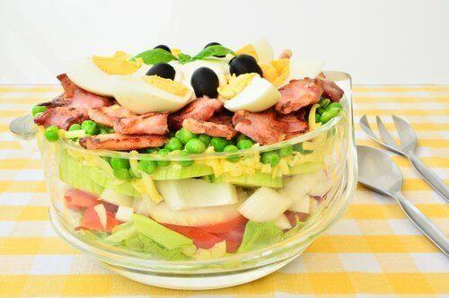 salaatti kananmunista
