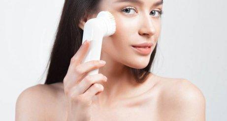 harjaa tukkeutuneet ihohuokoset