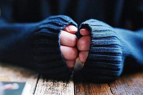 Huono verenkierto käsissä ja jaloissa voi altistaa kylmänkyhmyille