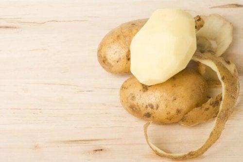 Hoitoja perunankuorista: 4 vaihtoehtoa