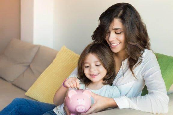 Opeta lapselle rahan säästämistä