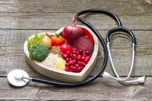 Kotihoitoja korkean kolesterolin hallintaan